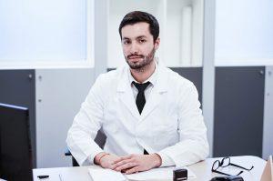 Doctor Claudio Escanilla, Dermatólogo